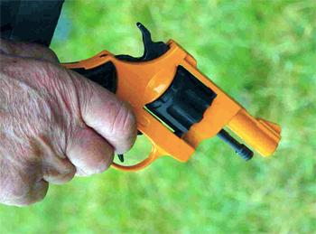starting gun pistol.jpg
