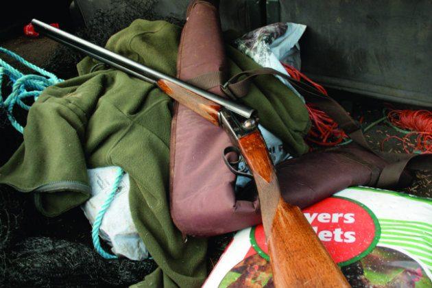 shotgun in car boot