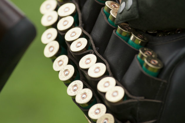 Buying shotgun cartridges - can somebody else do it with your permission?