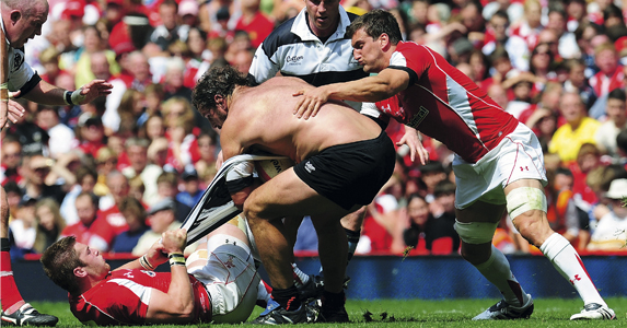 Carl Hayman employs an odd tactic to stop Wales getting the ball