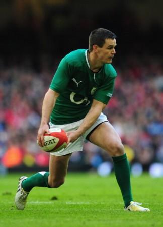 Racing away: Ireland fly-half Jonny Sexton