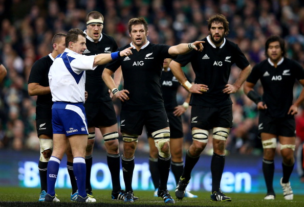Man in the middle: Nigel Owens has refereed expertly