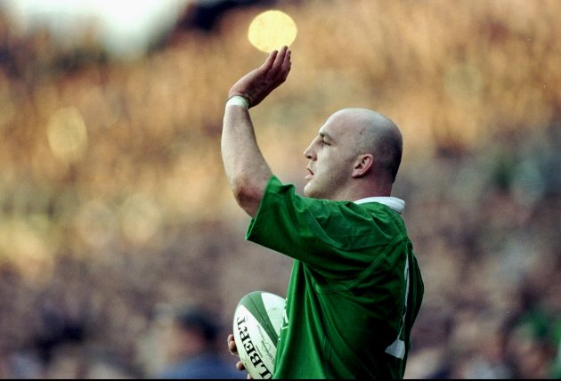 Keith Wood prepares to throw in at the line out