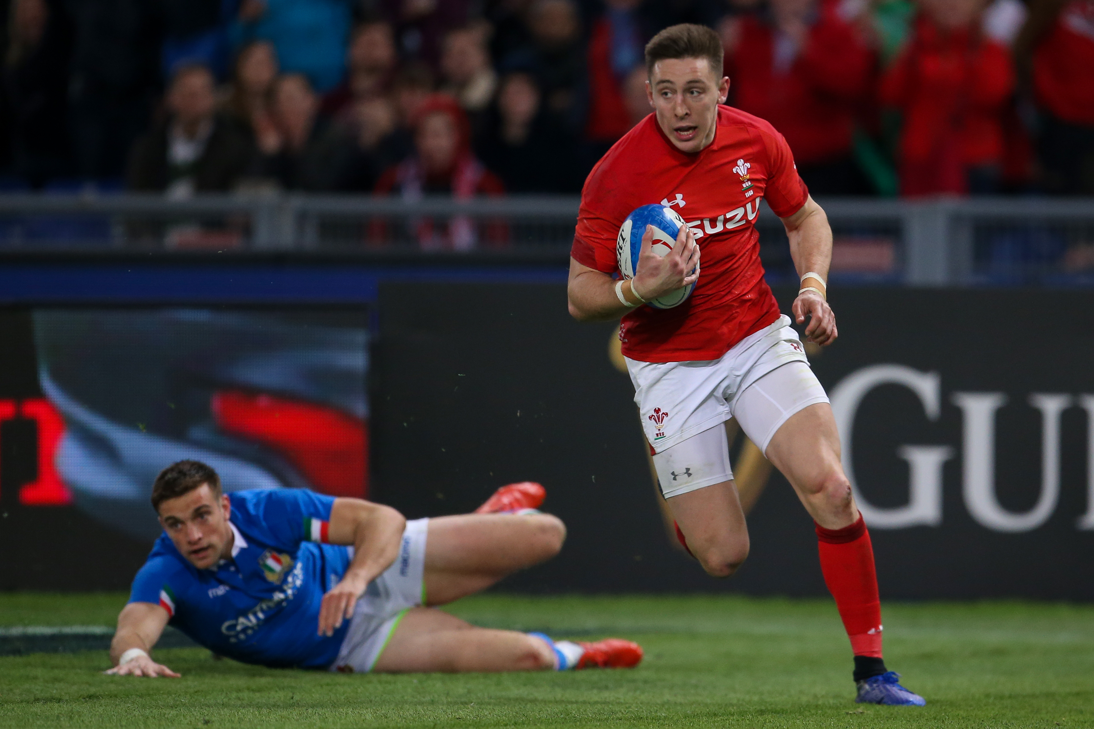 Wales equal wins record after beating Italy
