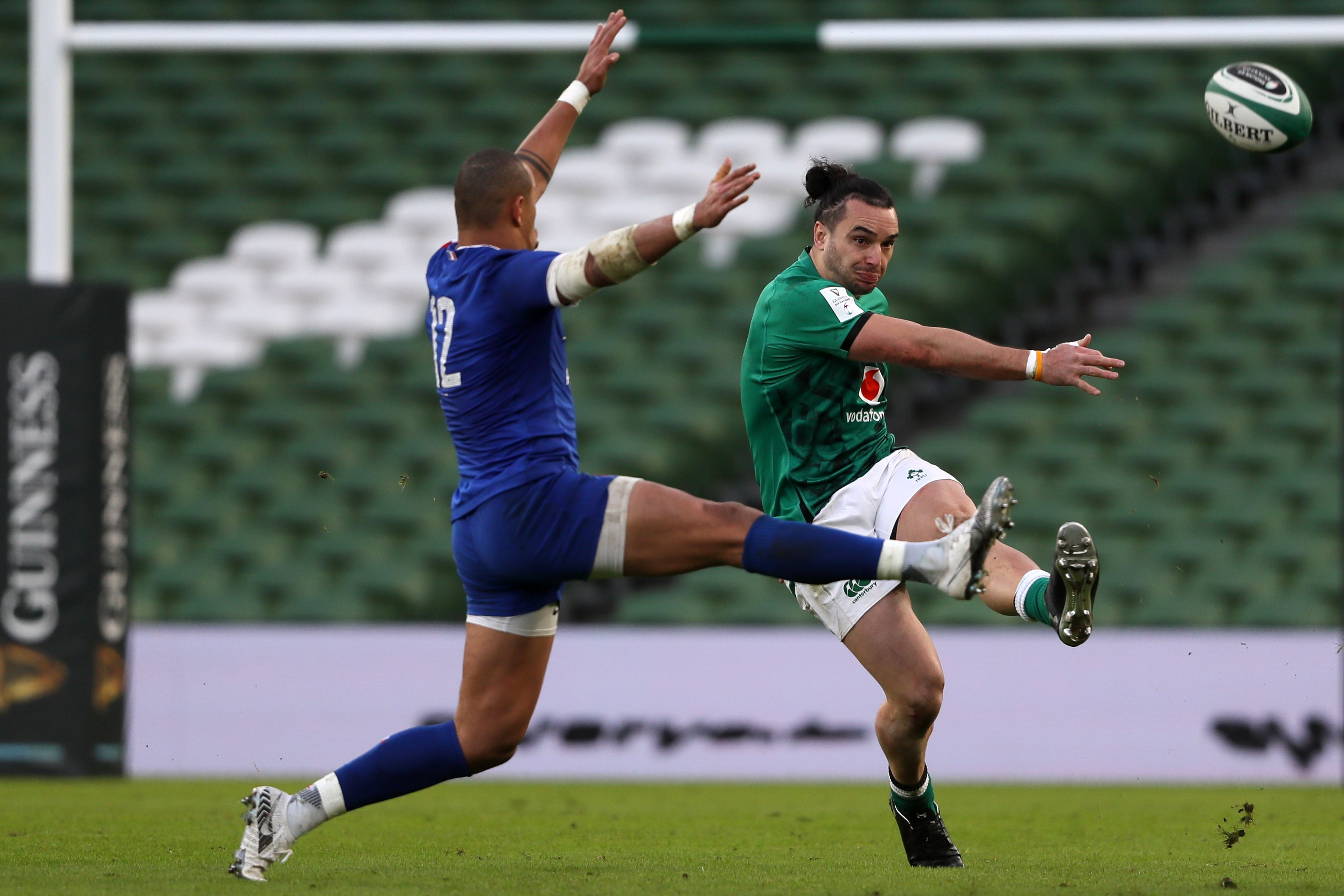 Rugby Explained: When to kick and when to run - Rugby World