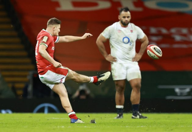 Wales lift the Triple Crown