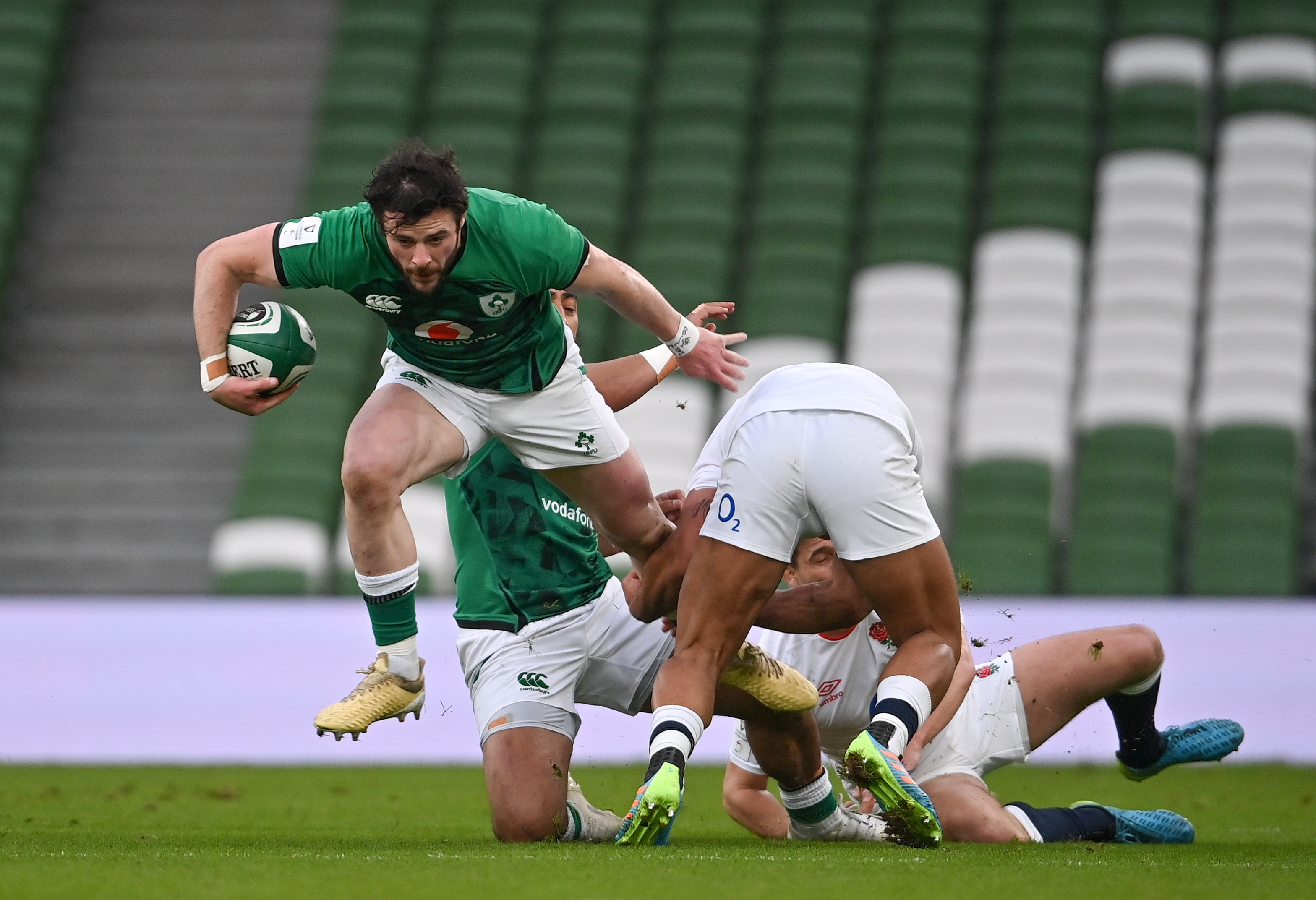 Robbie Henshaw: Ten things you should know about the Ireland centre