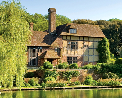 Magical Country Estates In Sussex Oxfordshire And