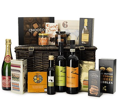 The best christmas hampers country life a festive hamper full of indulgent treats from fine champagne to orange panettone christmas pudding solutioingenieria Gallery