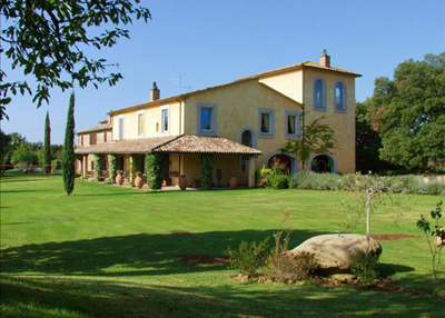 Outstanding italian villa estate country life for Italian country homes