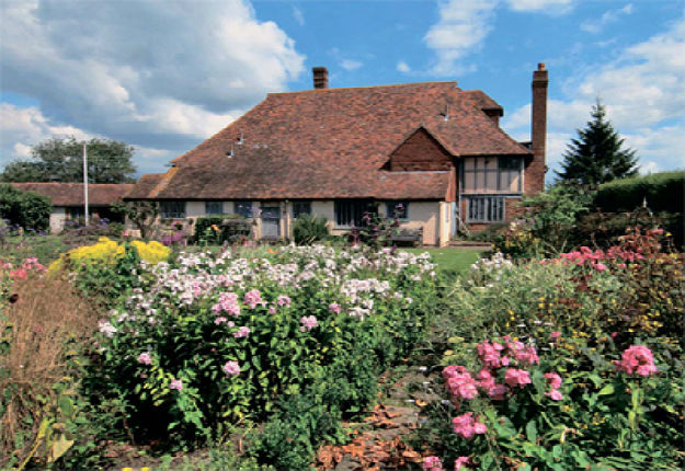 Historic hall house for sale in Kent