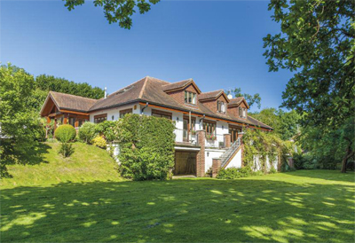 Five brilliant houses for sale in the west country for Modern house uk for sale