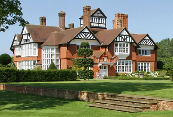 Country House, Pickhurst, Surrey