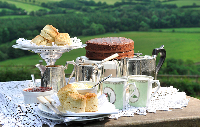 afternoon tea in the cotswolds