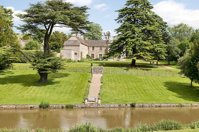 Duddington Manor