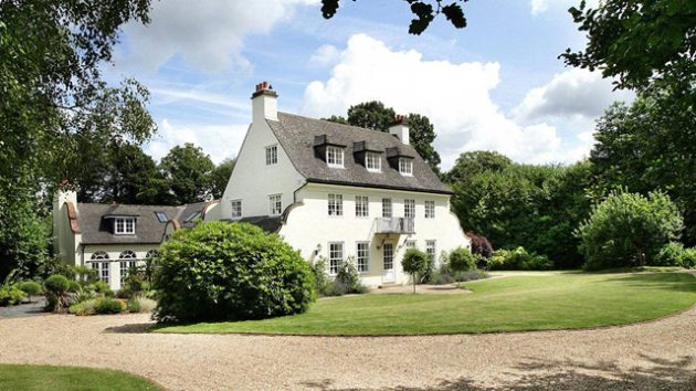 surrey country houses for sale