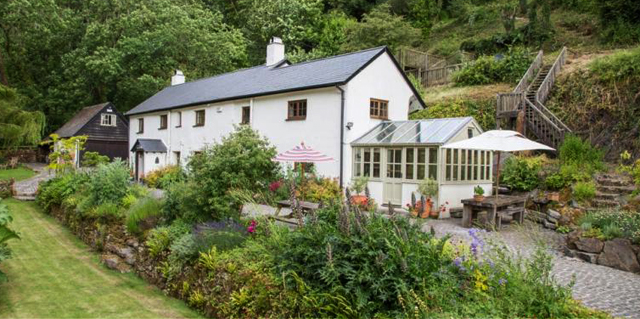period property in the dartmoor national park