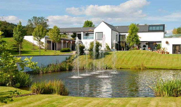 Country house for sale in Wales