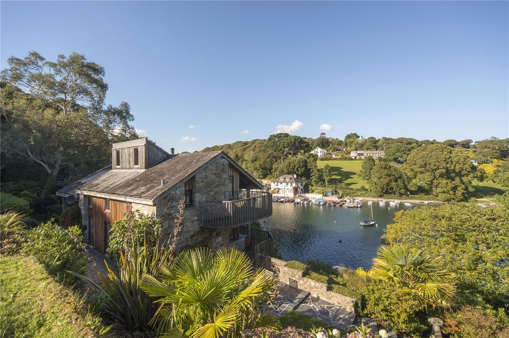 Perfect properties for sale in cornwall country life for Show house for sale