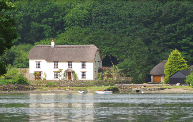 Brilliant 5 Beautiful Waterfront Properties For Sale In Devon Home Interior And Landscaping Eliaenasavecom