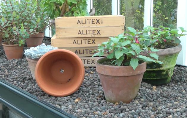 Clean Garden Pots How to clean garden pots dera jobs wallpaper alitex how to clean flower pots country life workwithnaturefo