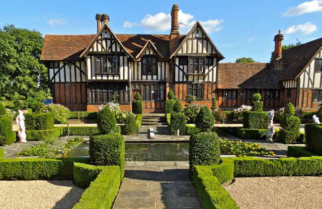 Tudor style homes for sale uk - House design plans