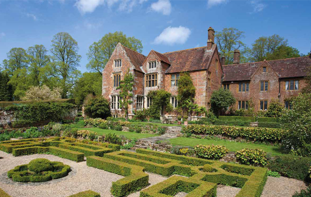 properties with pretty gardens for sale