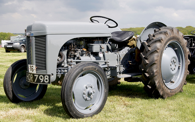 Top 5 vintage tractors - Country Life