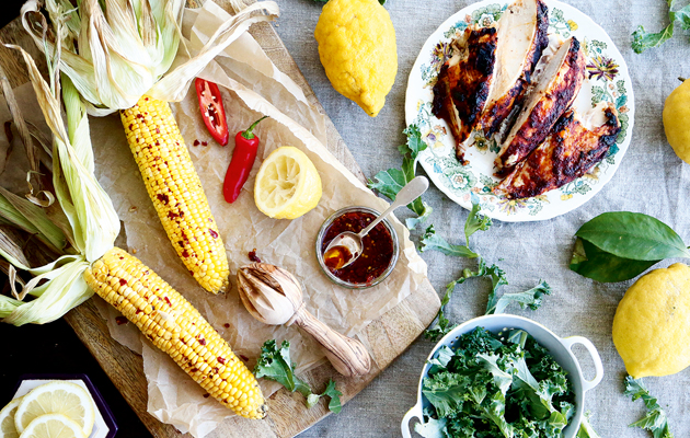 Barbecued corn on the cob with rose harissa chicken