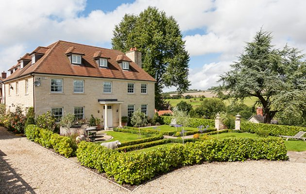 Tisbury Cantlefield House feature