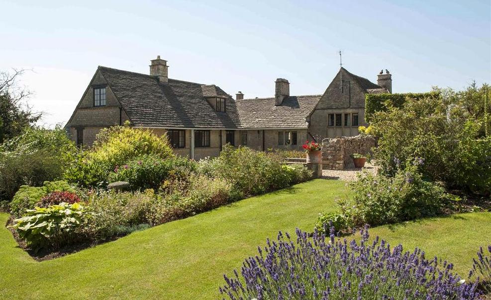 Gloucestershire house garden country life for Garden design gloucestershire