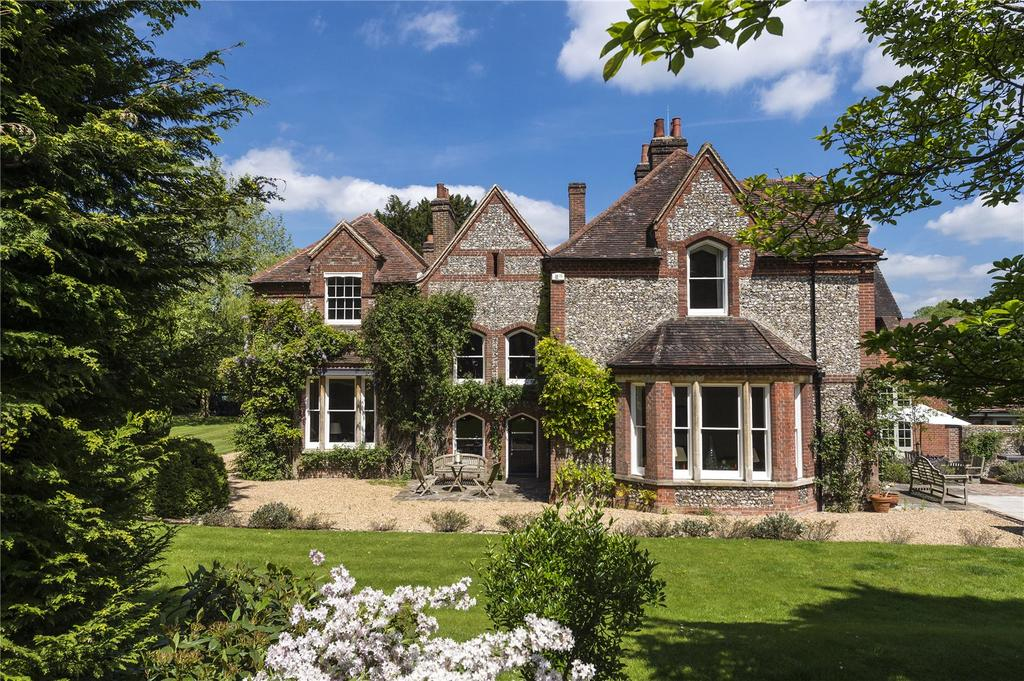 Hampshire country house for sale country life for Country mansion for sale
