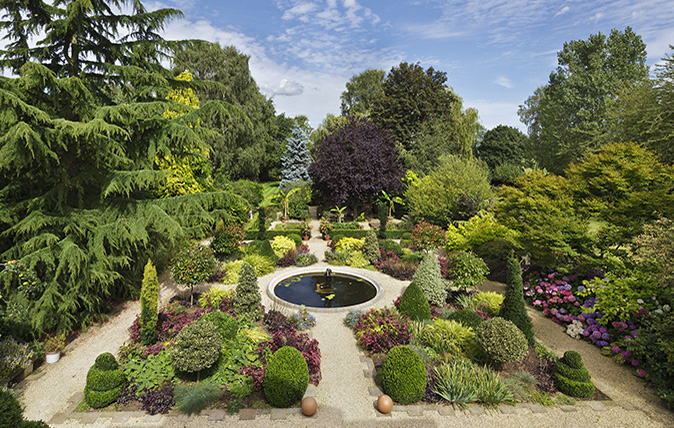 Houes for sale with amazing gardens