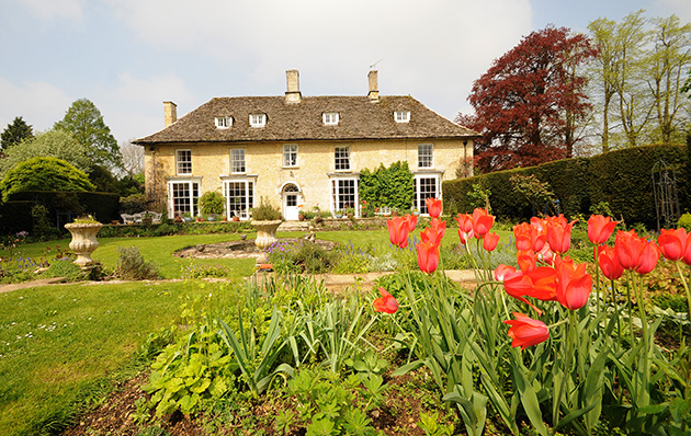 ... £1,390,000 · Kempsford Gloucestershire House