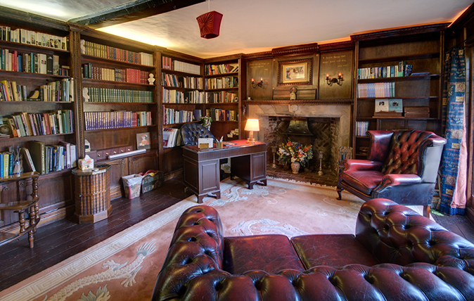 homes with dream libraries