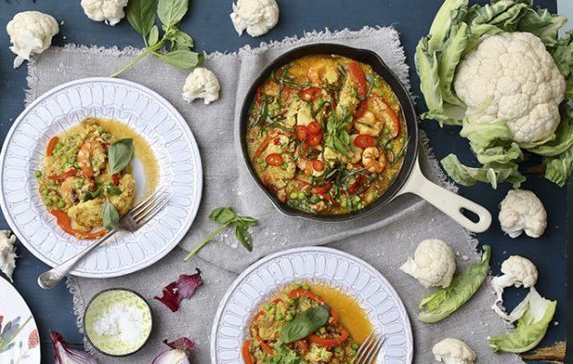 Cauliflower 'rice' prawn-and-chicken paella