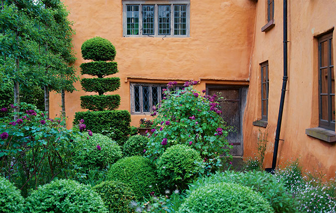 The best garden designers in Britain, from Country Life's ...