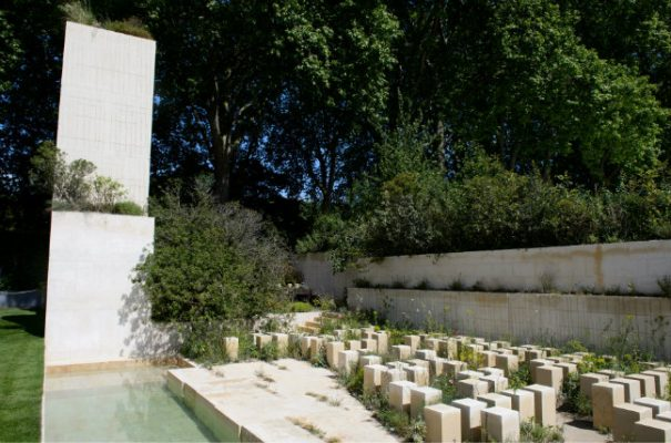 Chelsea flower show 2017 39 stark and brutal 39 quarry for Chelsea 2017 show gardens