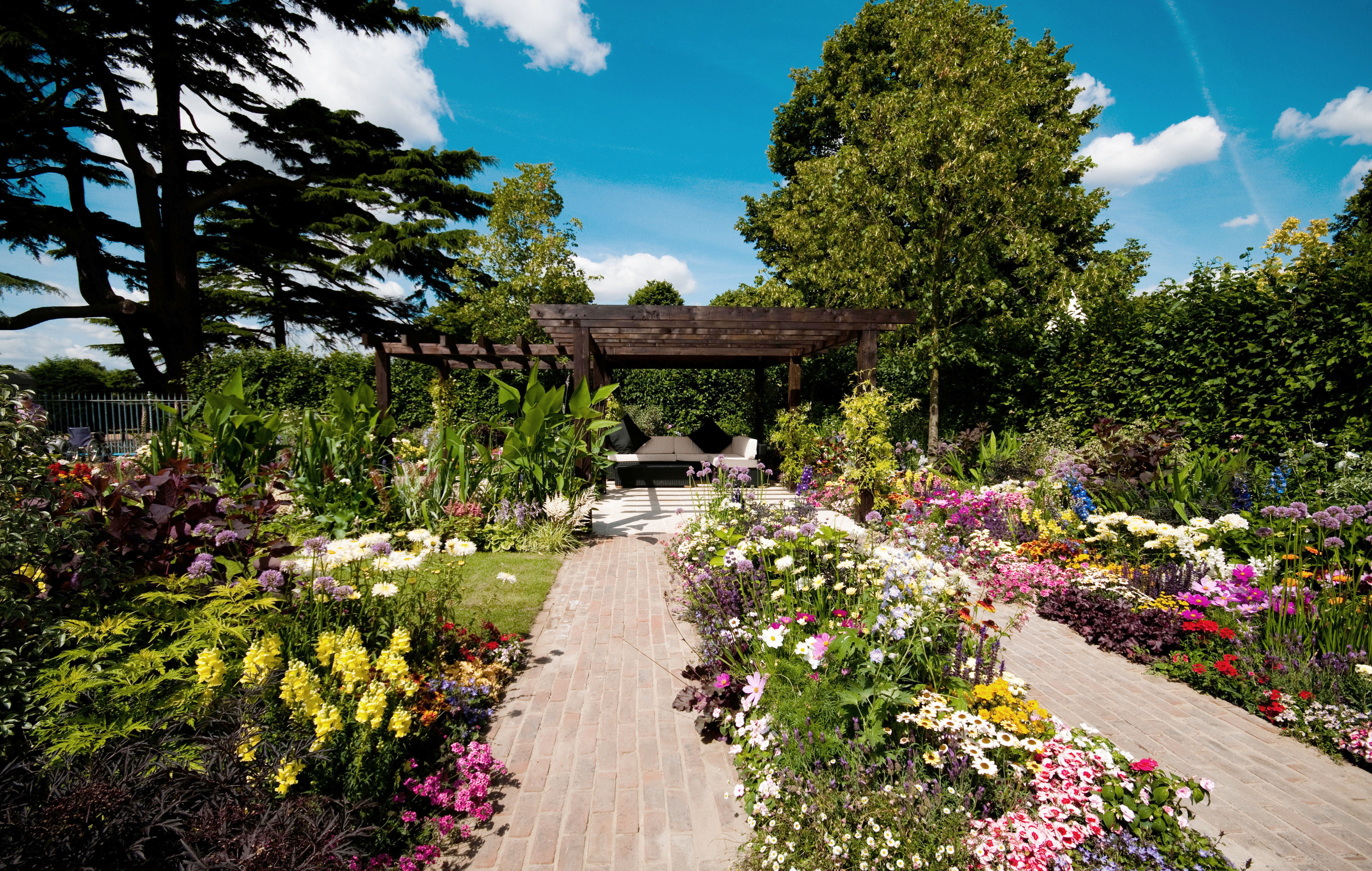 Hampton court flower show when it 39 s on getting there how to get tickets - Hampton court flower show ...