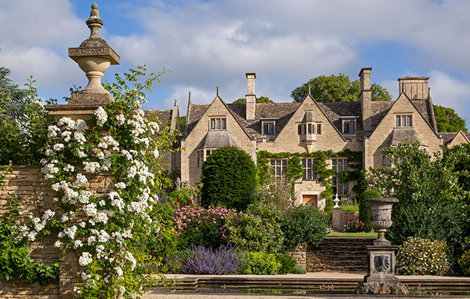 Wychwood Manor: A 1920s house and gardens, restored and transformed