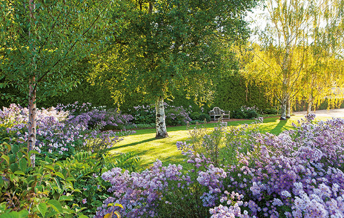 Paul Bangay's Country Gardens - Photography by Simon Griffith