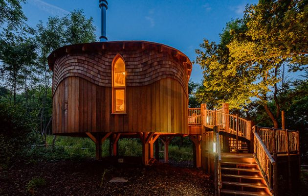 Woodside Bay An Isle Of Wight Treehouse Hideaway With Red