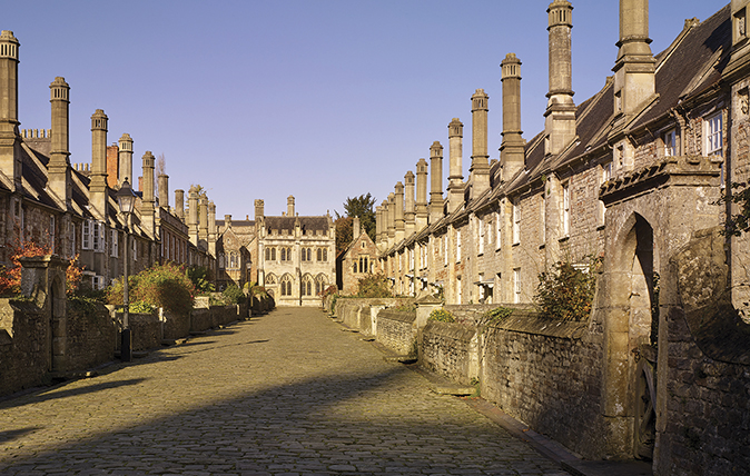 cathedral close wells