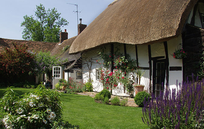 A Fairytale Thatched Cottage Within An Hour Of Central London Country Life