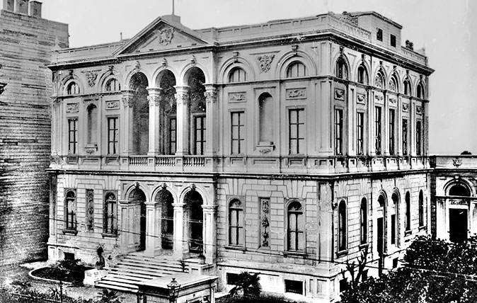 Palazzo Corpi, Istanbul, pictured in the 1920s