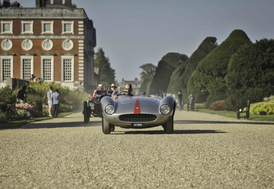 Concours of Elegance - vintage cars in beautiful surroundings at Hampton Court Palace