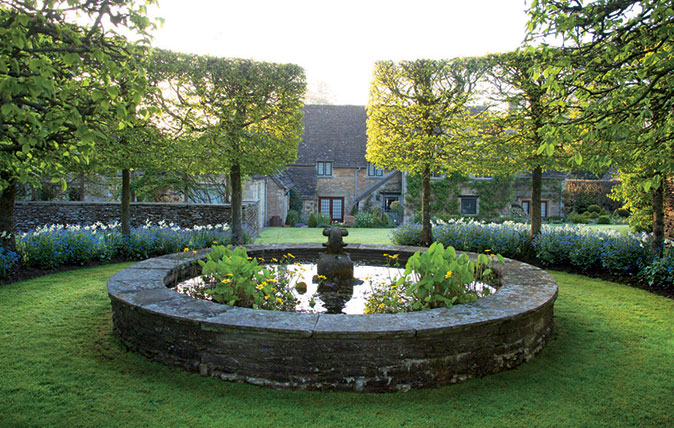 Cotswolds House garden with fountain