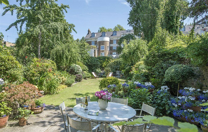 Notting Hill house for sale with Savills in Clarendon Road