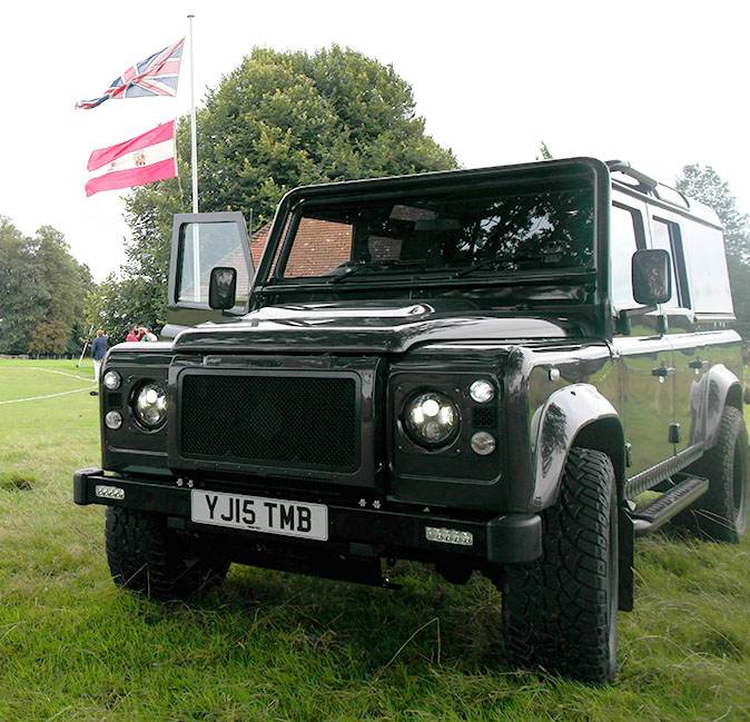 Twisted Land Rover Defender Review: 'The Throttle Pick-up