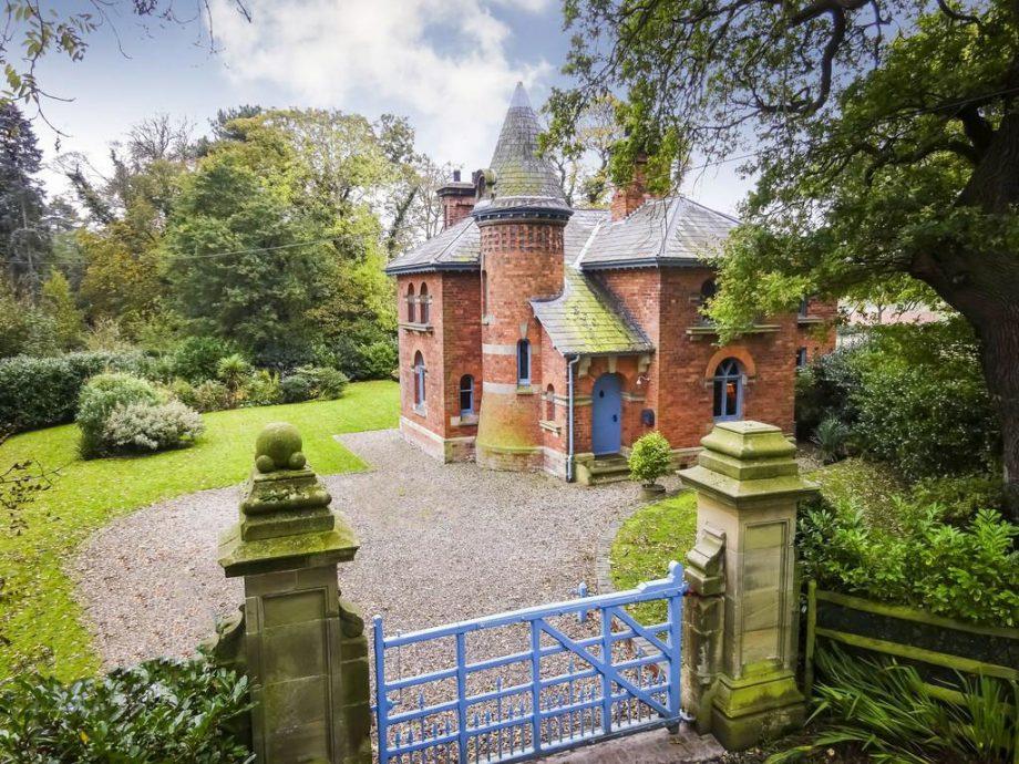 gatehouse The Lodge